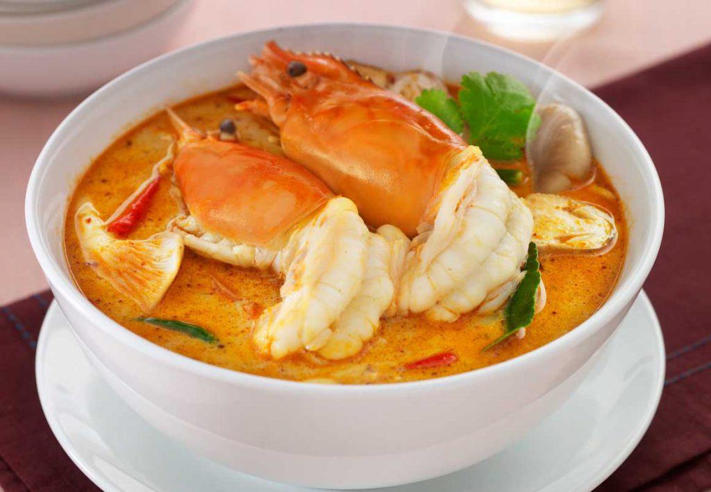 Ăn tom yum goong ở Bangkok