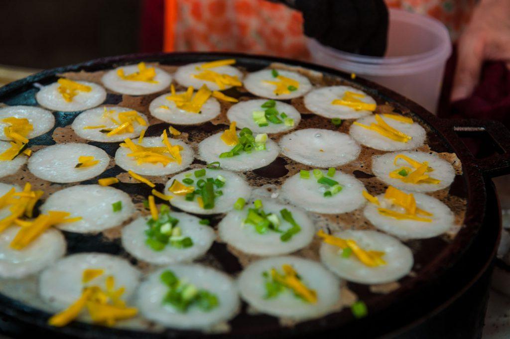 Ăn Khanom Krok ở Bangkok