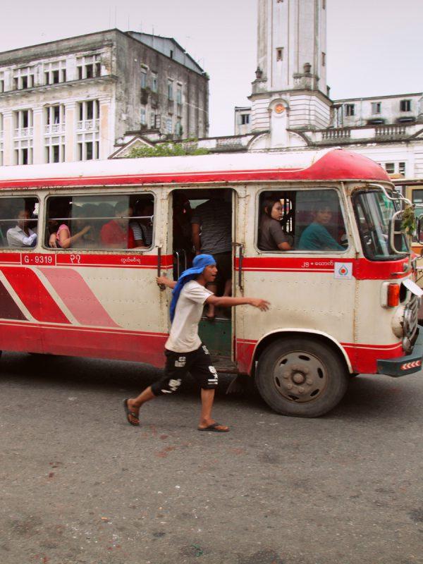 Xe bus ở Yangon