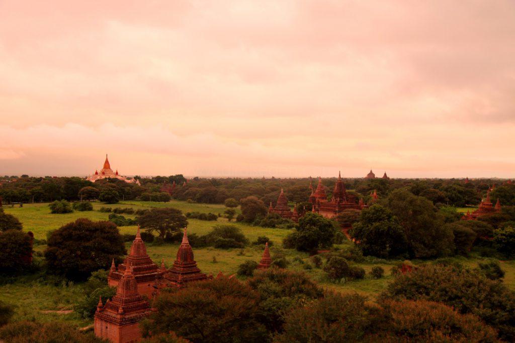 Bình minh Bagan - View từ Shwe San Daw