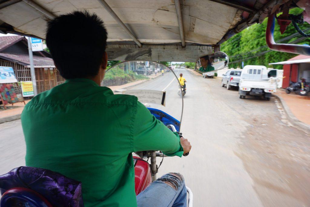 tuk tuk ở Luang Prabang