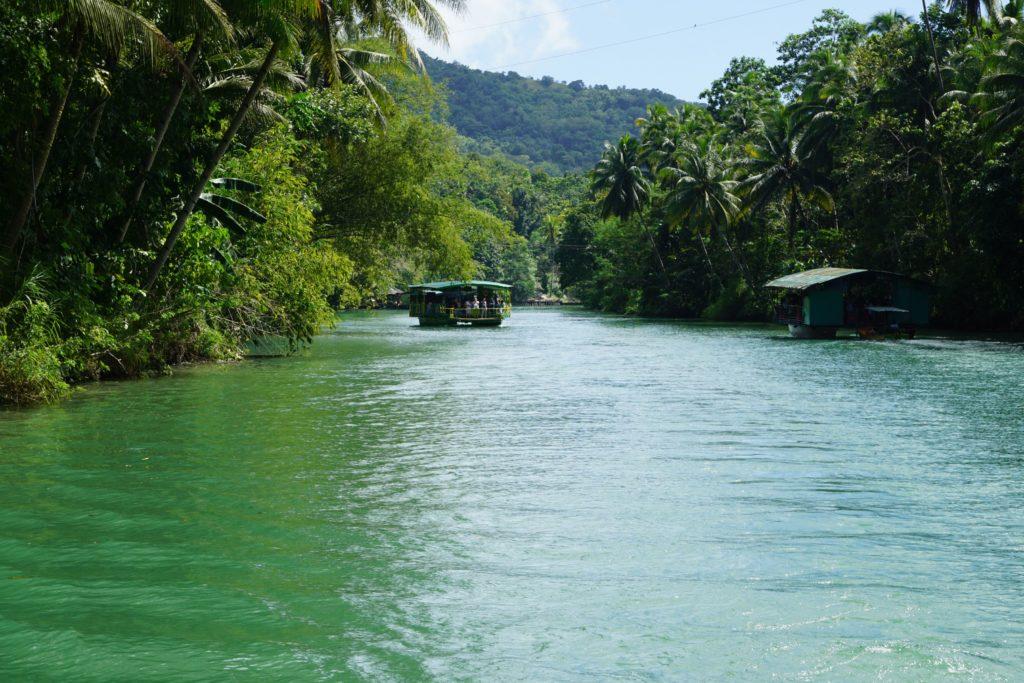 Du thuyền sông Loboc