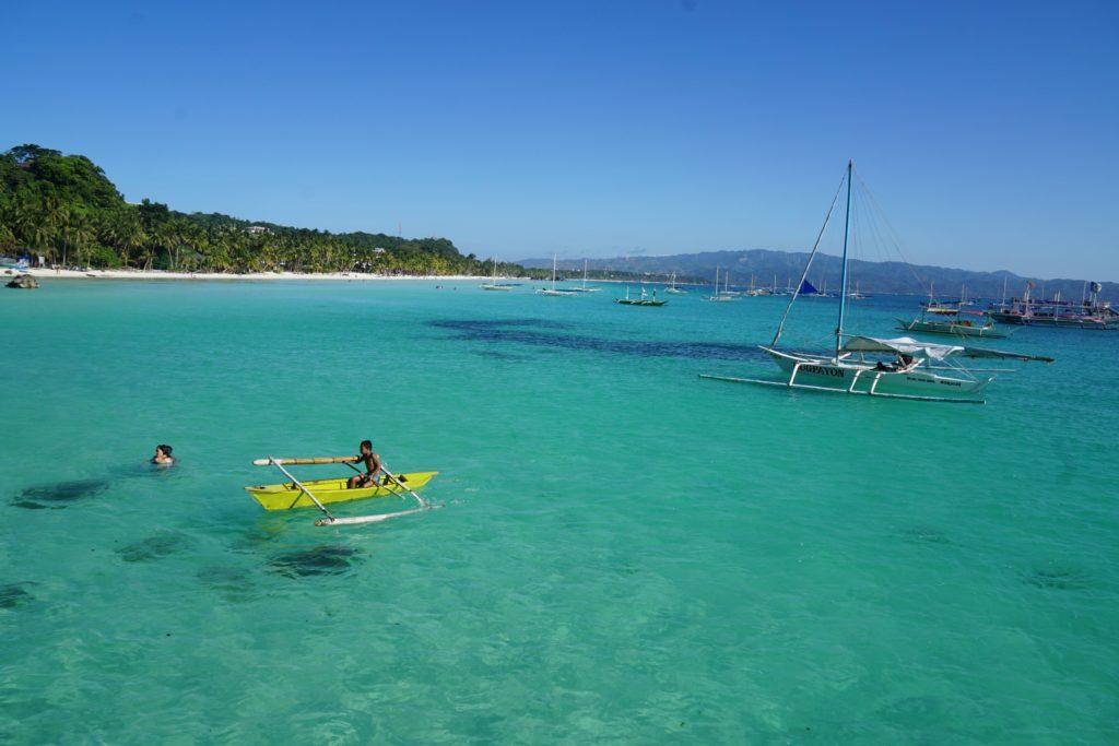 Diniwid Beach - White Beach Boracay