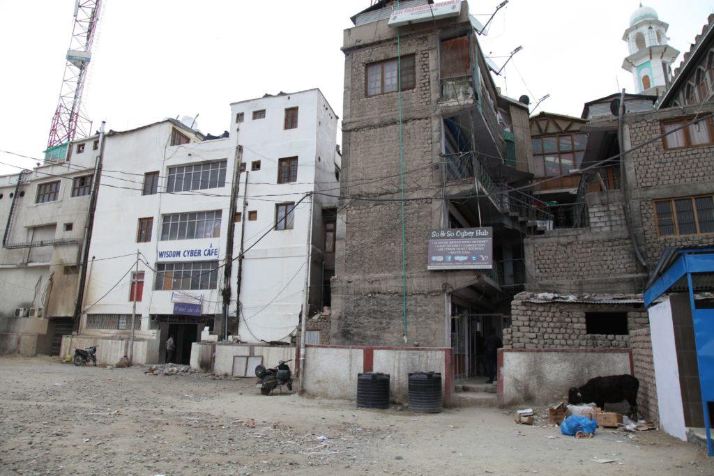 Tiệm net ở Leh